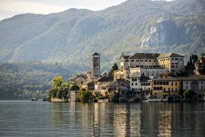 Bureaubladachtergronden Italië Een meer Bergen Horta-San Giulio, Piedmont, Novara, lake Orta