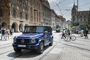 Bilder Mercedes-Benz Sport Utility Vehicle Blau 2019 G 400 d AMG Line Stronger Than Time Worldwide automobil