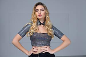 Fotos Model Blondine Posiert Hand Blick Stephanie Mädchens