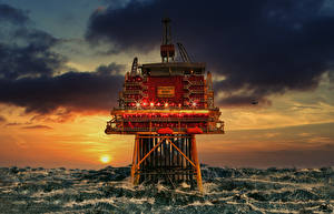 Wallpapers Sunrises and sunsets Sea Clouds North-sea platform