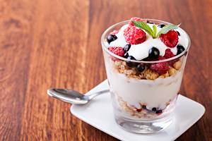 Photo Yogurt Dessert Berry Muesli Highball glass Food