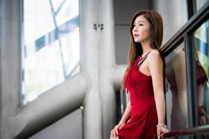 Hintergrundbilder Asiatische Unscharfer Hintergrund Kleid Starren Mädchens