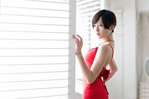 Hintergrundbilder Asiatische Brünette Blick Hand Kleid