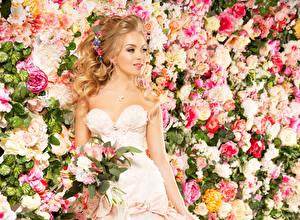 Wallpaper Bouquet Noces Brides Dress Staring Girls