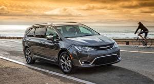 Desktop wallpapers Chrysler CUV Gray background Station wagon Pacifica Limited, 2016 Cars