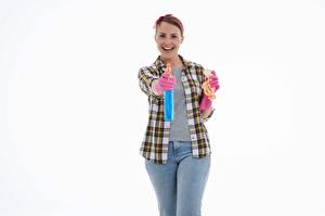 Bilder Putzfrau Lächeln Posiert Hemd Jeans Handschuh Weißer hintergrund Mädchens
