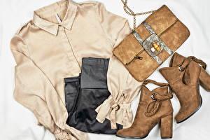 Bakgrundsbilder på skrivbordet Kläder Handväska Stövlar Skjorta