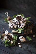Sfondi Biscotti Candele Tavole Rami Strobilo Pupazzi di neve Cibo immagini