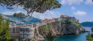 Bilder Dubrovnik Kroatien Gebäude Felsen Bucht Wände