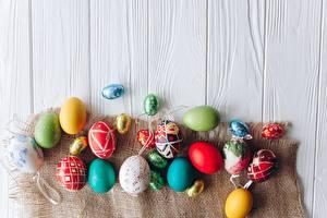 Wallpaper Easter Egg Wood planks