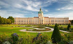 Bilder Deutschland Berlin Landschaftsbau Palast Rasen Charlottenburg Palace Städte