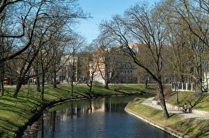 Pictures Latvia Parks Canal Trees Riga, Kronvalda Park Cities