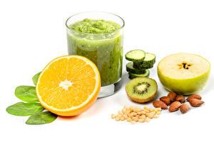 Fondos de Pantalla Smoothie Naranja (Fruta) Manzanas Nuez Kiwi Verdura El fondo blanco Vaso Alimentos imágenes