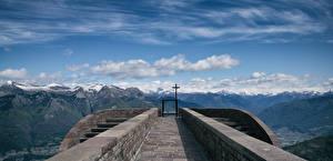 Hintergrundbilder Schweiz Berg Kirchengebäude Alpen Wolke Kreuz Corte di Sopra Natur