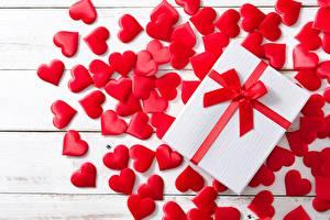 Tapety na pulpit Walentynki Serce Prezenty Kokardą