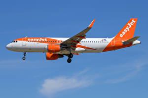 Bilder Airbus Flugzeuge Verkehrsflugzeug Seitlich A320-200S, EasyJet Europe Airline