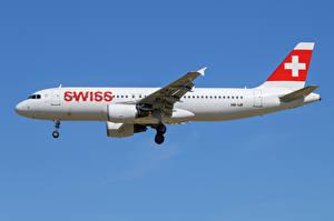 Bilder Airbus Flugzeuge Verkehrsflugzeug Seitlich A320-200, SWISS