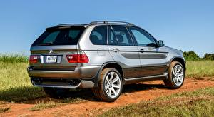 Photo BMW Gray background CUV X5 4.8is, US-spec, 2004 auto
