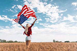 Hintergrundbilder Felder USA Flagge Hand Blond Mädchen Shorts Mädchens