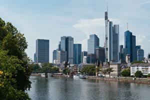 Bilder Frankfurt am Main Deutschland Wolkenkratzer Flusse Brücke Binnenschiff Mein, Hesse