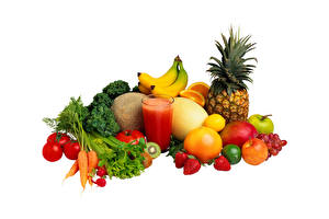 Photo Pineapples Bananas Apples Strawberry Carrots Grapes Radishes Tomatoes Kiwi Orange fruit Fruit Vegetables Highball glass White background