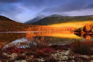 Fotos Russland Herbst See Gebirge Wald Jack London Lake, Magadan region, Yagodninsky district Natur