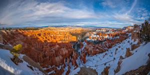 Bureaubladachtergronden Verenigde staten Park Landschap van Panoramische Ravijn klif landform Sneeuw Bryce Canyon National Park, Utah Natuur