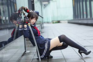 Hintergrundbilder Asiatisches Katana Posiert Uniform Long Socken Bein Bokeh Starren Schülerin