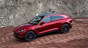 Photo Aston Martin Crossover Red Side DBX, 2020 automobile