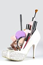 デスクトップの壁紙、、化粧品、グレーの背景、革靴、香水、画筆、