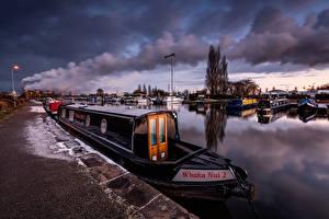 Hintergrundbilder England Fluss Binnenschiff Waterfront Rauch Sawley