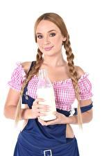 桌面壁纸,,Kaisa Nord,牛奶,辫子,暗金發女孩,凝视,手,瓶子,年輕女性,
