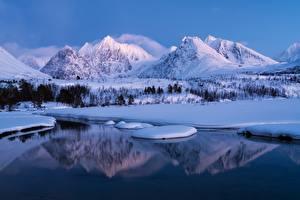 Hintergrundbilder Norwegen Berg Winter Landschaftsfotografie Schnee Mädchens