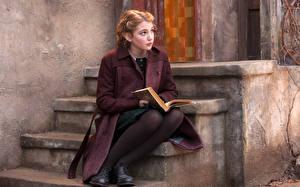 Bilder Treppen Mantel Sitzt Buch Sophie Nelis, Canadian junge Frauen