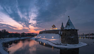 Pictures Sunrises and sunsets Rivers Russia Fortification Towers Pskov Krom, Pskov, Pskov region Cities