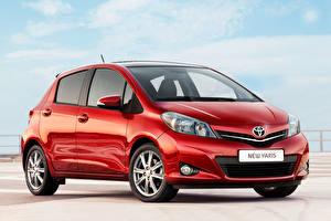 Wallpapers Toyota Red Metallic Yaris 5-door, Worldwide, (XP130), 2011-14 auto