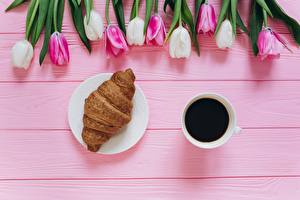 Fonds d'écran Tulipes Café Croissant Tasse Fleurs Nourriture images