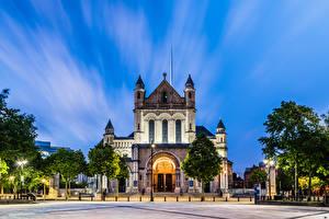 Fotos Vereinigtes Königreich Kathedrale Platz Bäume St Anne's Cathedral, Belfast, Northern Ireland Städte