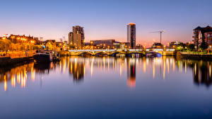 Wallpaper United Kingdom Evening River Bridge Riverboat Houses Northern Ireland, Belfast Cities