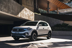 Photo Volkswagen CUV White 2020 T-Cross Life automobile