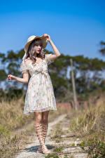 Bilder Asiatisches Kleid Der Hut
