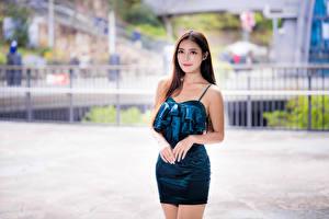 Fotos Asiatisches Posiert Bokeh Kleid Blick junge Frauen