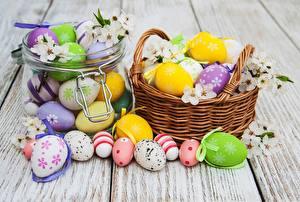 Hintergrundbilder Ostern Ei Weidenkorb