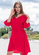 Bilder Kleid Rot Posiert Hand Starren Emilia Piotrowska Mädchens