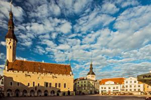 Bilder Estland Tallinn Haus Türme Wolke Platz Raekoja plats