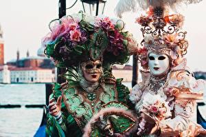 Bakgrunnsbilder Italia Masker Karneval og maskerade Venezia To 2 Hatt