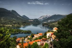 Fotos Italien Berg See Wälder Dorf Barrea, Abruzzo