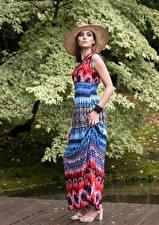 Hintergrundbilder Kleid Der Hut Pose Blick Magdalena Warszawa Mädchens