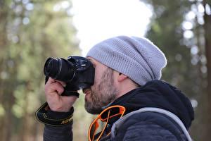 Wallpaper Men Bokeh Winter hat Camera Photographer Nikon, D3200