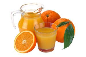Fotos Orange Frucht Saft Trinkglas Krüge Weißer hintergrund